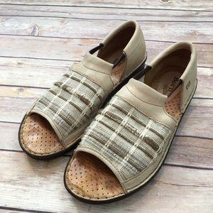 Sz 9M BORN Drilles Open Toe Canvas Slide On Shoes
